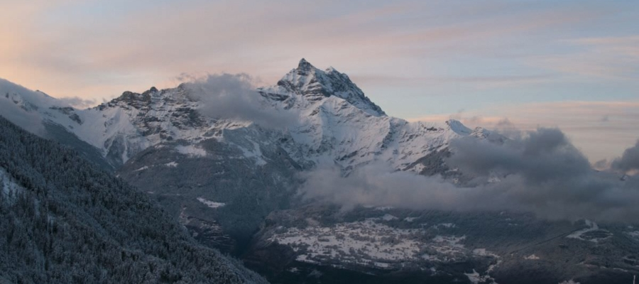 snow-landscape-mountains-nature-e1454660499662-900x400 Los Angeles Magician & Mentalist from Magic Castle